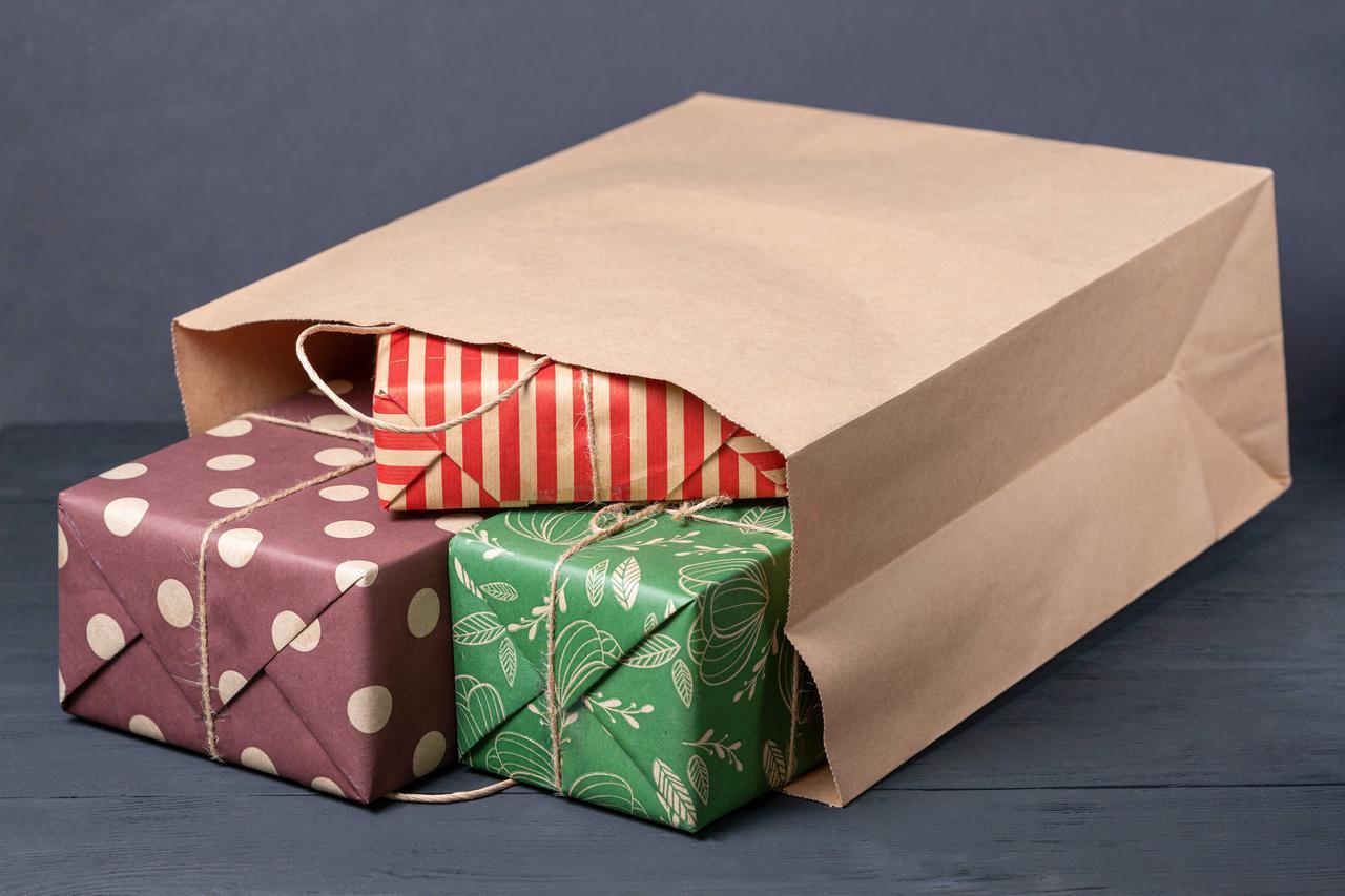 Бумажный пакет с ручками 260 мм*150 мм*350 мм
