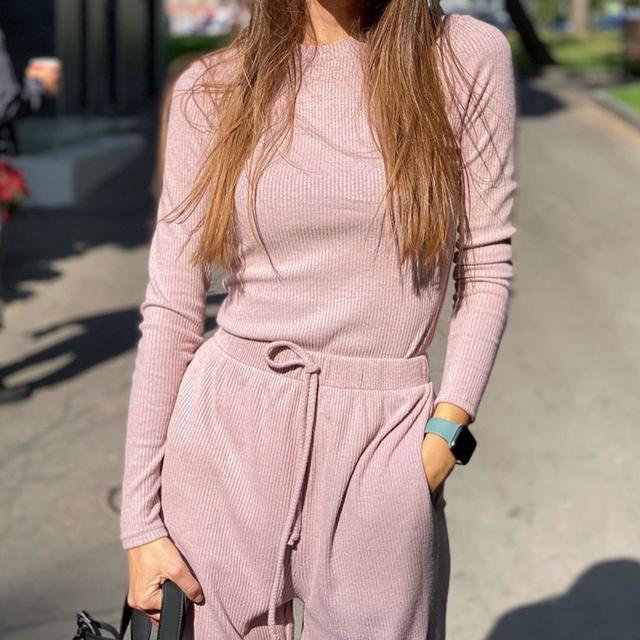 модный повседневный костюм женский трикотажный на осень