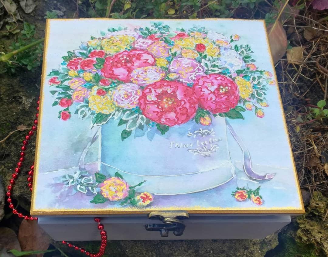 Шкатулка декоративна для прикрас біла квадратна з замком розписом декупаж 110 ШУ Букет квітів
