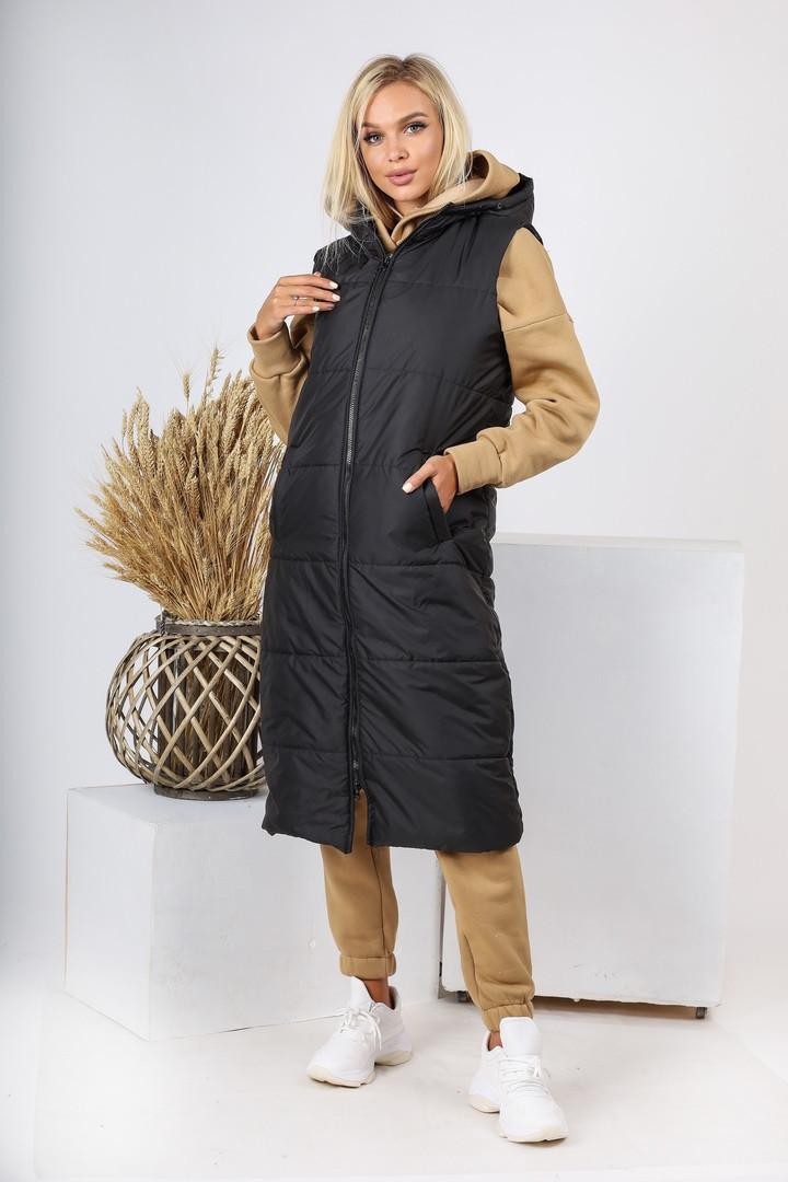 Теплая динная женская жилетка с карманами и капюшоном 44-257