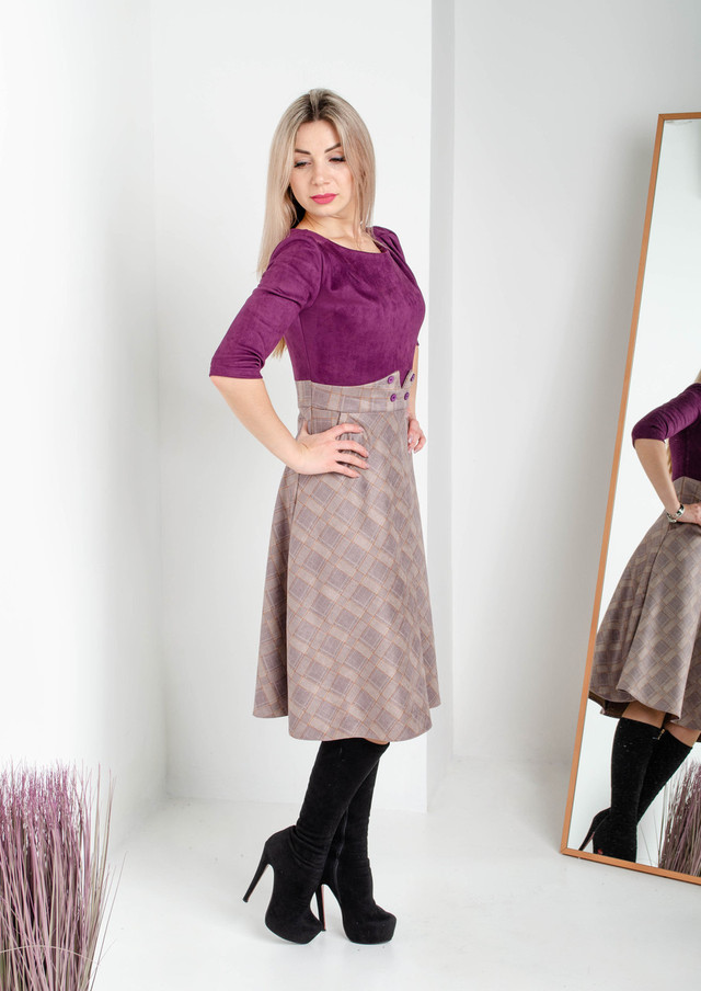 Двухфактурное женское платье из замши цвета марсала