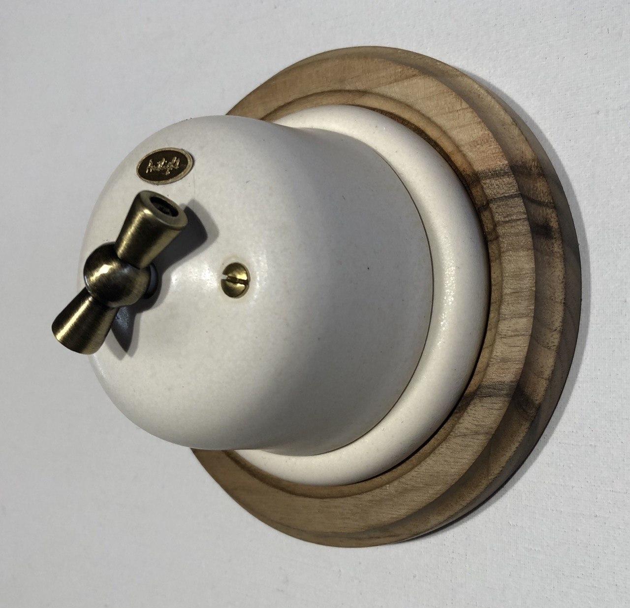 Ретро выключатель фарфоровый поворотный,1-клавишный проходной Lux Ivory, фурнитура дерево, бронза, хром.