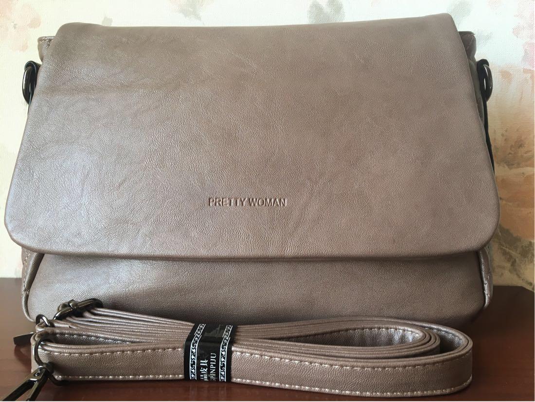 Класична повсякденна сумка жіноча через плече кольору кави з молоком Pretty woman