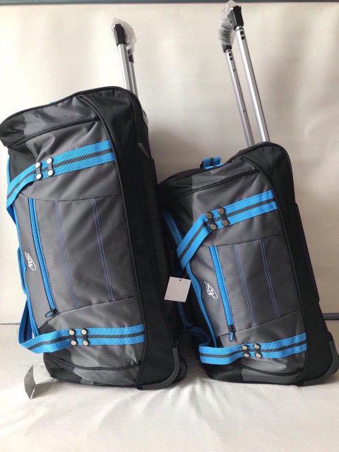 Комплект набор дорожных сумок на колесах с телескопической выдвижной ручкой