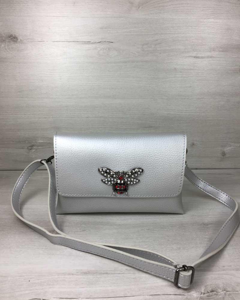 Маленькая женская серебристая сумочка клатч стильная на длинном ремешке