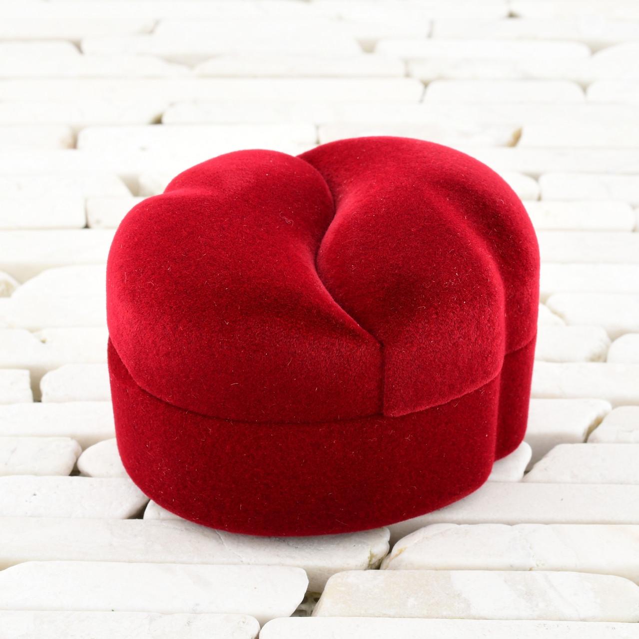 Футляр Половинки для кольца-серег красный бархат 740164 размер 6.5х5 см