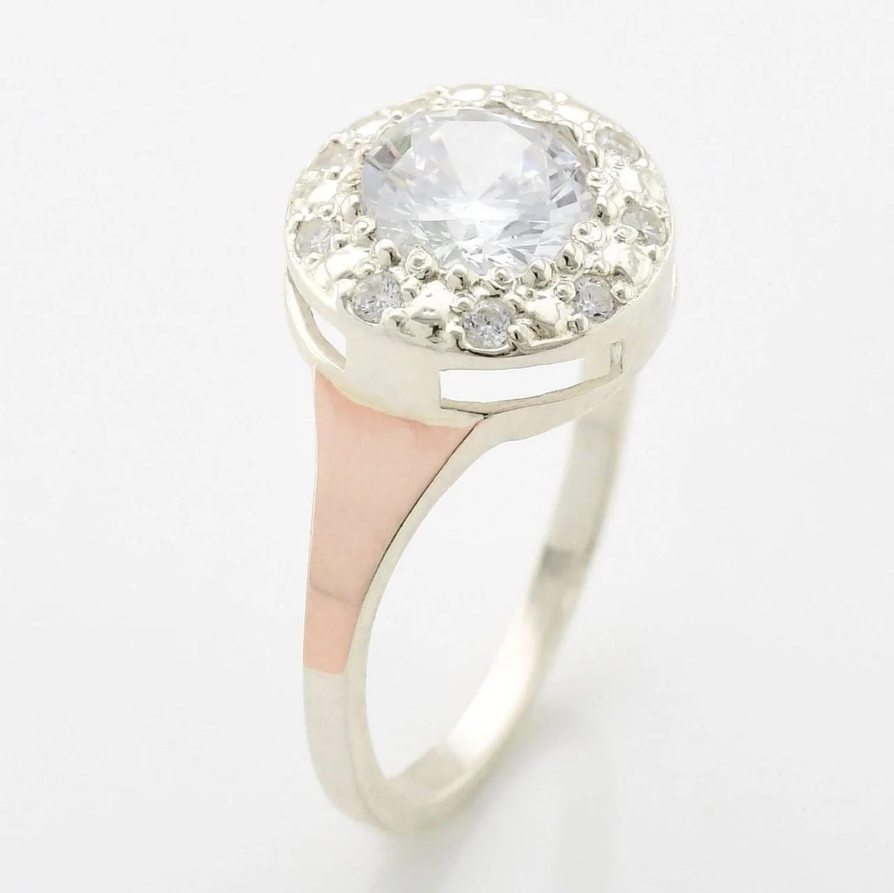 Серебряное кольцо с золотом Олеся вставка белые фианиты вес 3.15 г размер 20