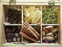 Набор пряностей. Подарочный набор специй в деревянной шкатулке Spicy-Love