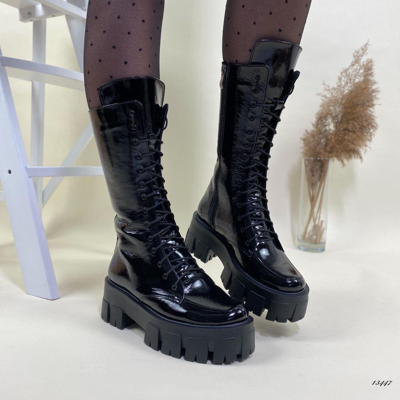 Женские демисезонные ботинки на массивной подошве