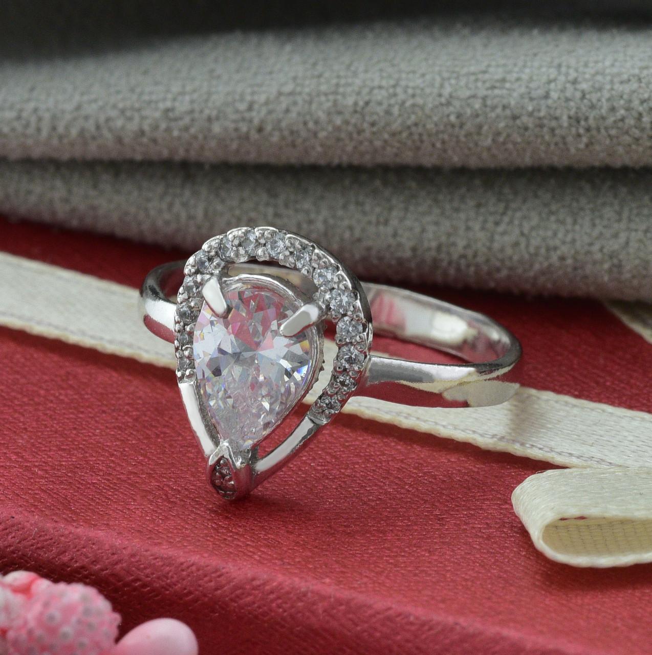 Серебряное кольцо Лана размер 17 вставка белые фианиты вес 2.22 г