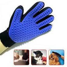 Рукавичка для вичісування шерсті true touch glove