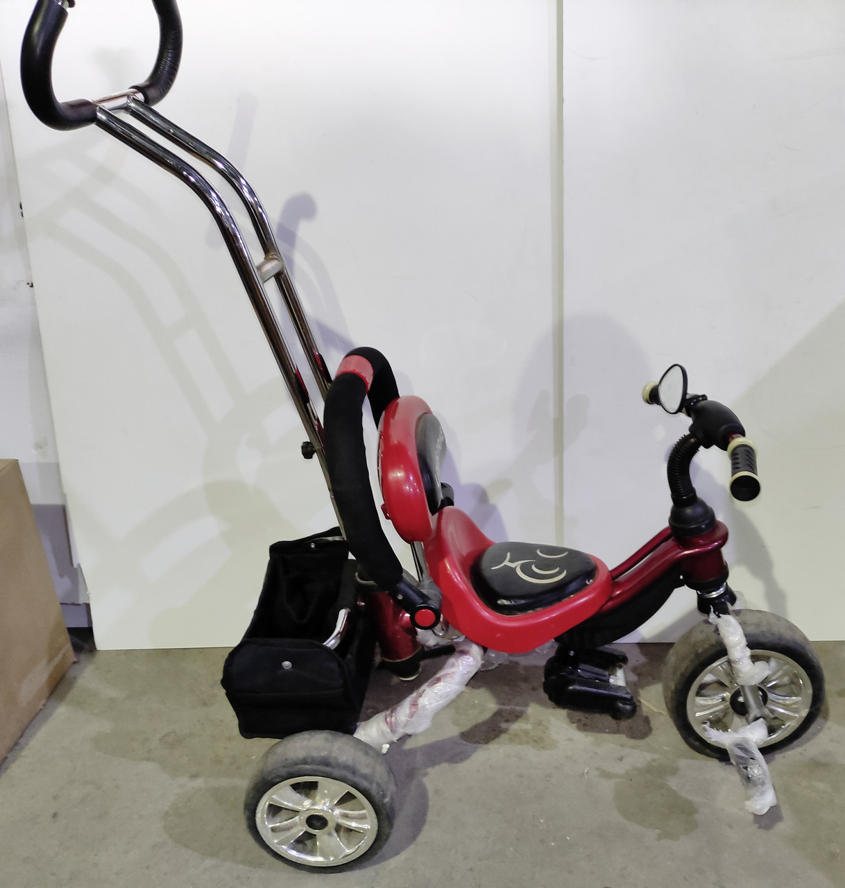 Б/У Велосипед трехколесный с родительской ручкой Lexus Trike красно-черный