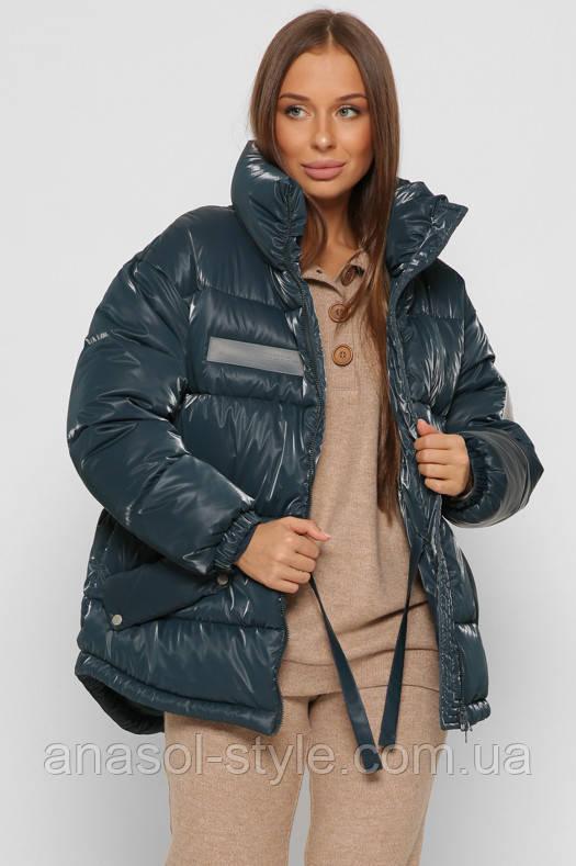 Модная зимняя куртка из глянцевой плащевки оверсайз с кулиской на талии морская волна