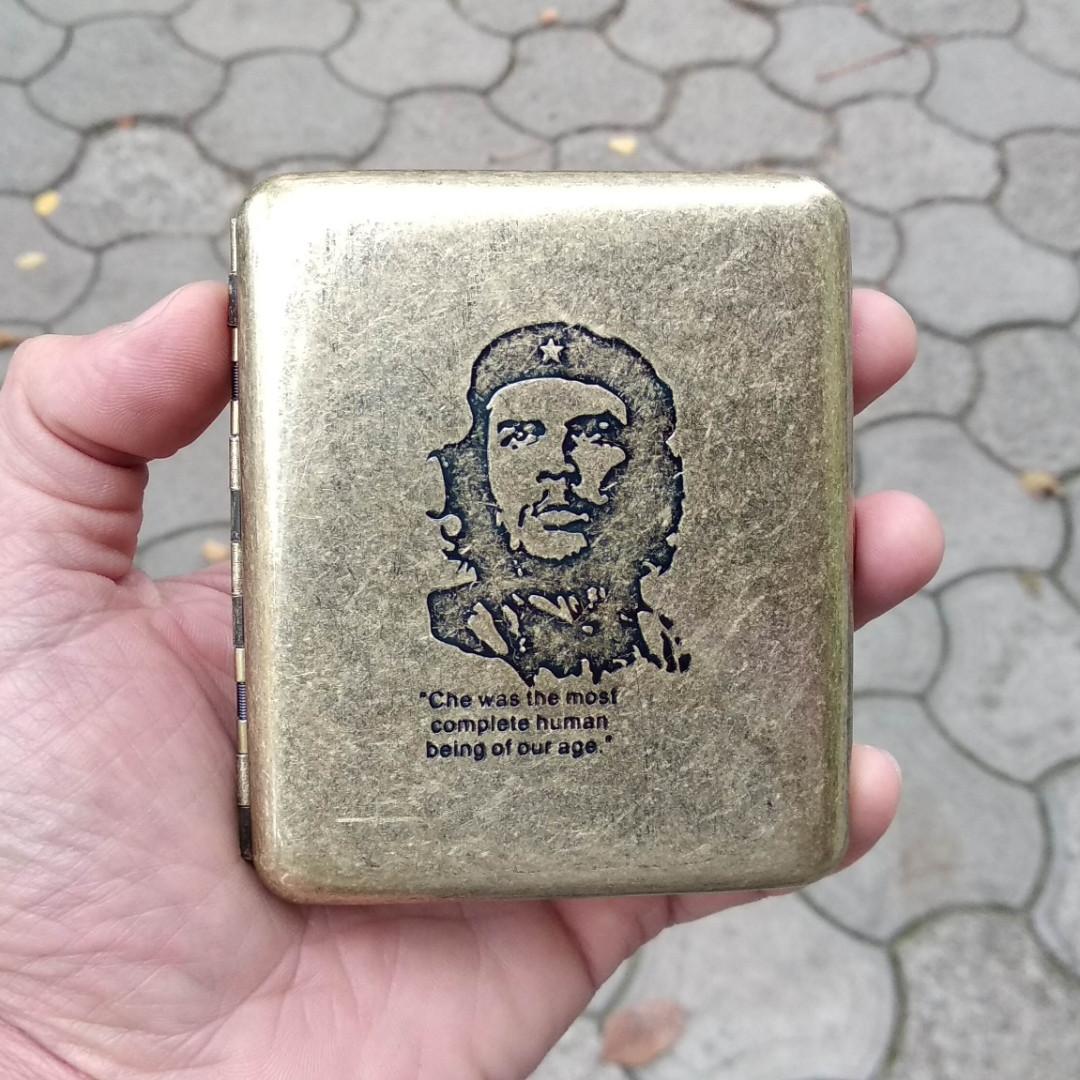 Портсигар металлический на 20 сигарет, Че Геваро