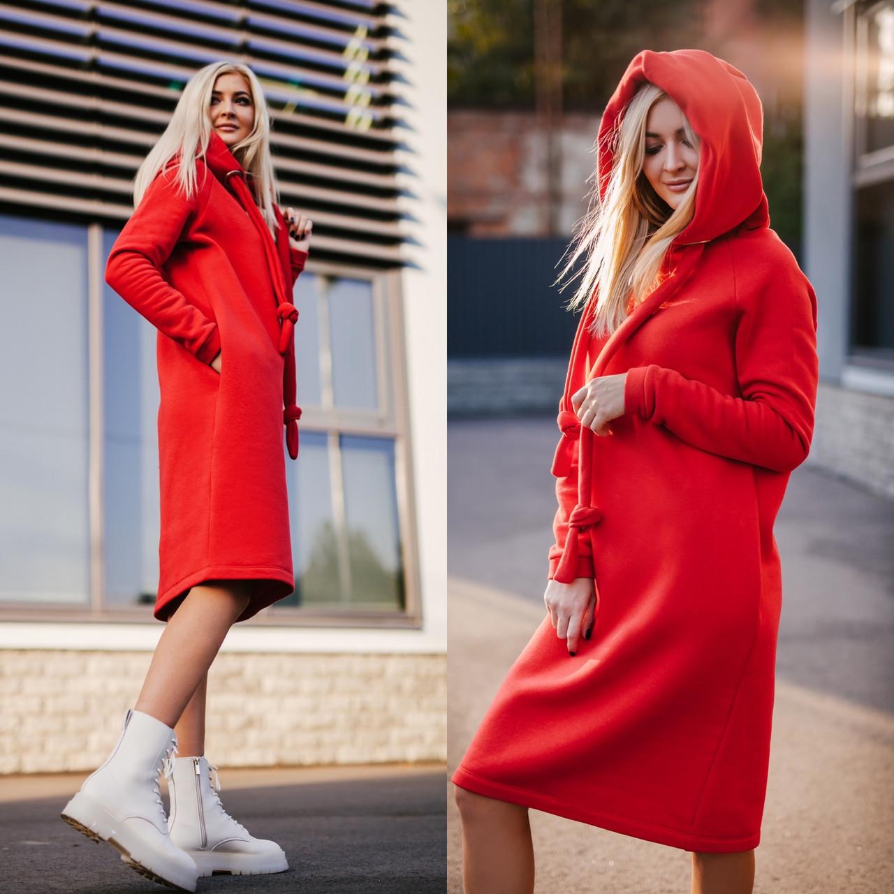 Тепле плаття в червоному кольорі