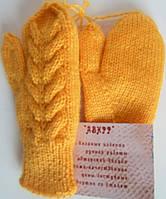 Вязаные варежки рукавицы малышам мягкие теплые желтые красиво трикотаж