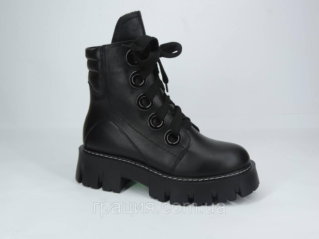 Модні жіночі шкіряні зимові черевики