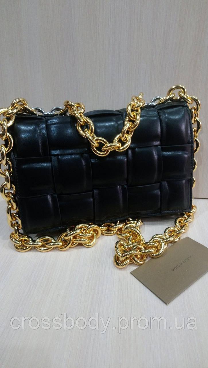 Женская  сумка Bottega Veneta в стиле черная/ пудра коробка