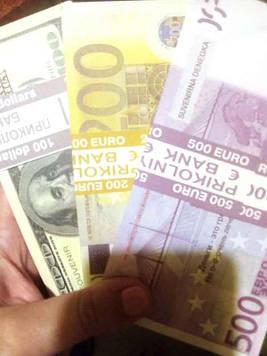 Сувенир Деньги доллары евро (100шт в пачке)