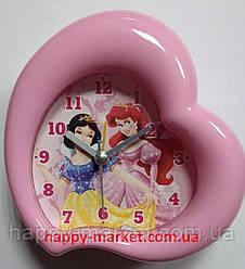Часы-будильник №0728  принцессы В форме сердечка (10*10)
