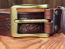Шкіряний ремінь ручної роботи, коричневого кольору з тисненням, фото 2