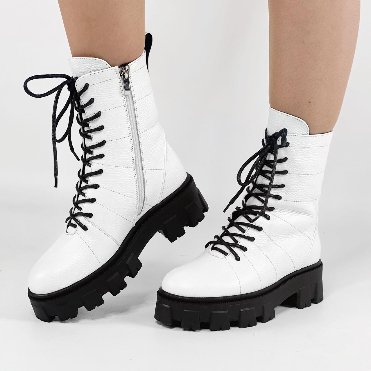 Массивные ботинки женские кожаные белые на шнуровке MORENTO демисезонные