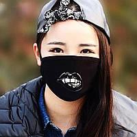"""Детская маска многоразовая (респиратор) защитная с принтом на лицо """"Губы с клыками"""""""