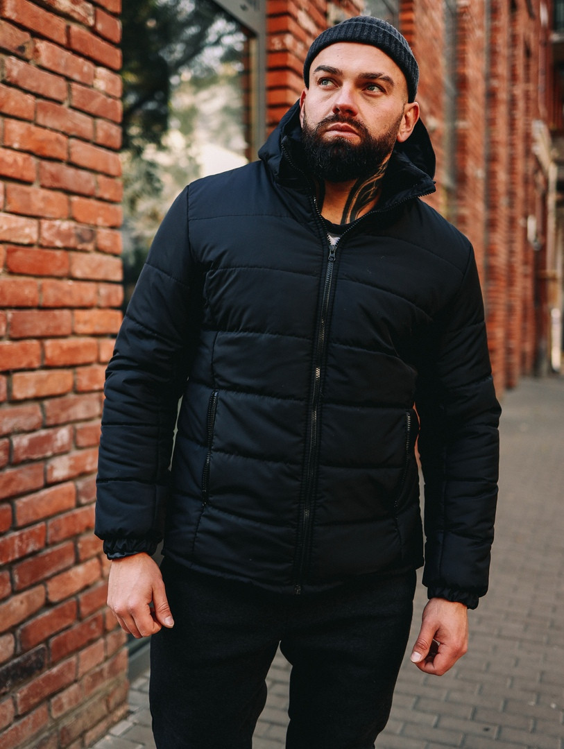 Тепла чоловіча куртка чорна з капюшоном якісна