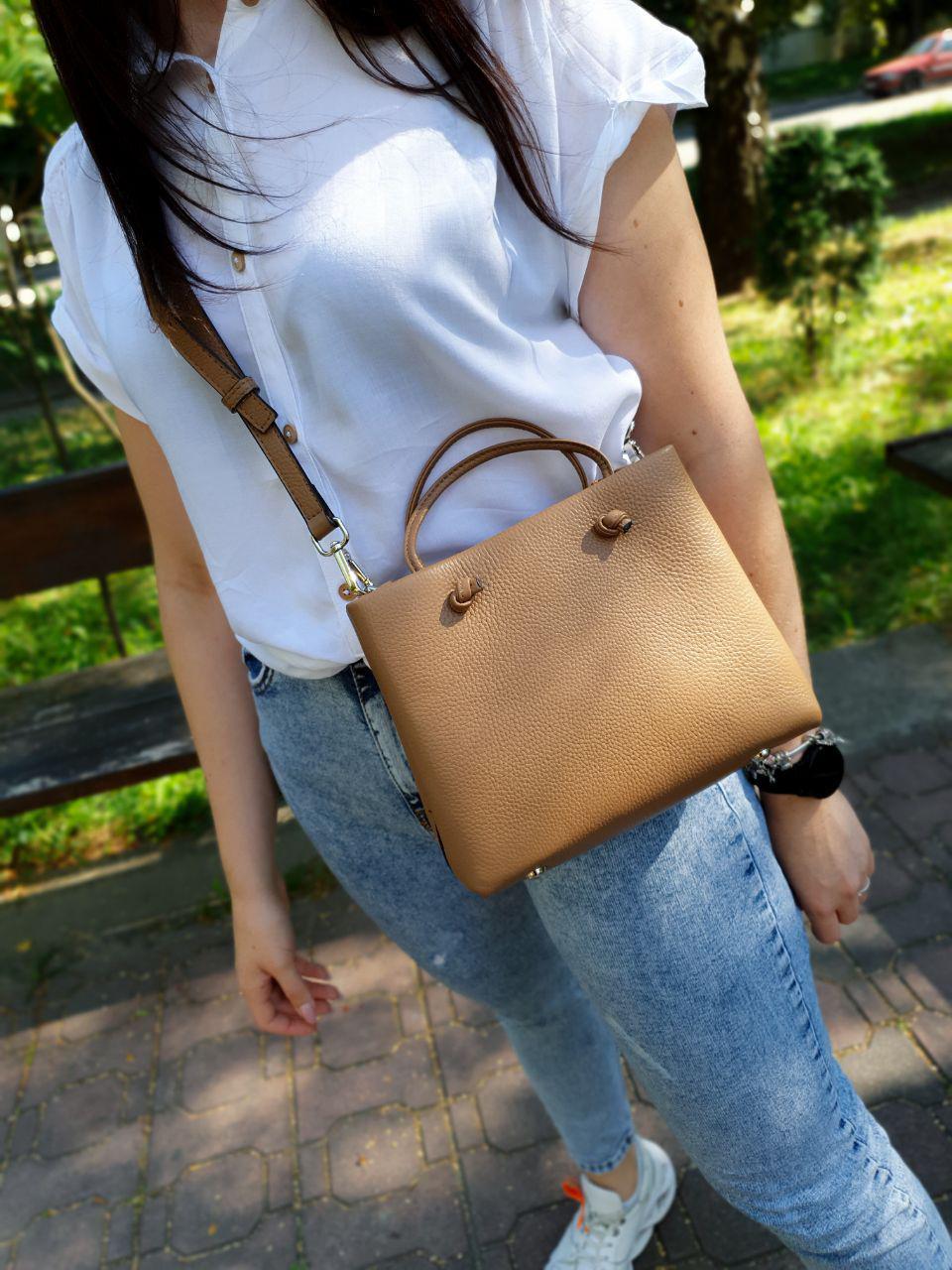 Кожаная женская сумка размером 23х18х8 см Коричневая (01244)
