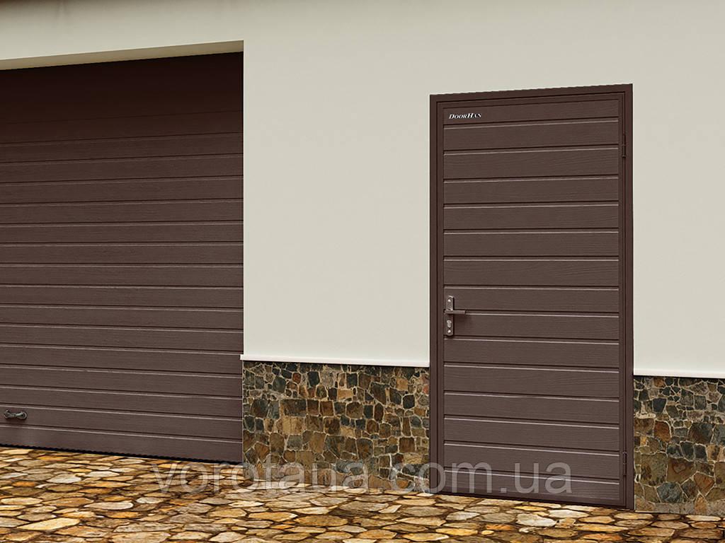 Гаражная дверь из сендвичей УЛЬТРА DoorHan ширина 980мм высота 2050мм одност./глухая/