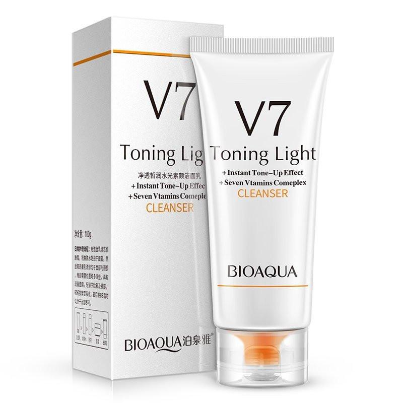 Очищаюча пінка для обличчя Bioaqua V7 Cleansing Milk (тонізуючий ефект + комплекс 7 вітамінів)