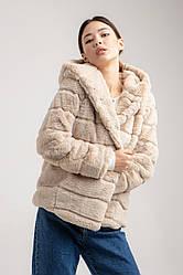 Женская искусственная шуба короткая с капюшоном и карманами в 3 цветах