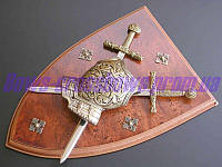 Панно доспехи и два меча