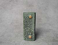 Ключница кожаная зеленая, орнамент Цветы, 4 карабина, фото 1