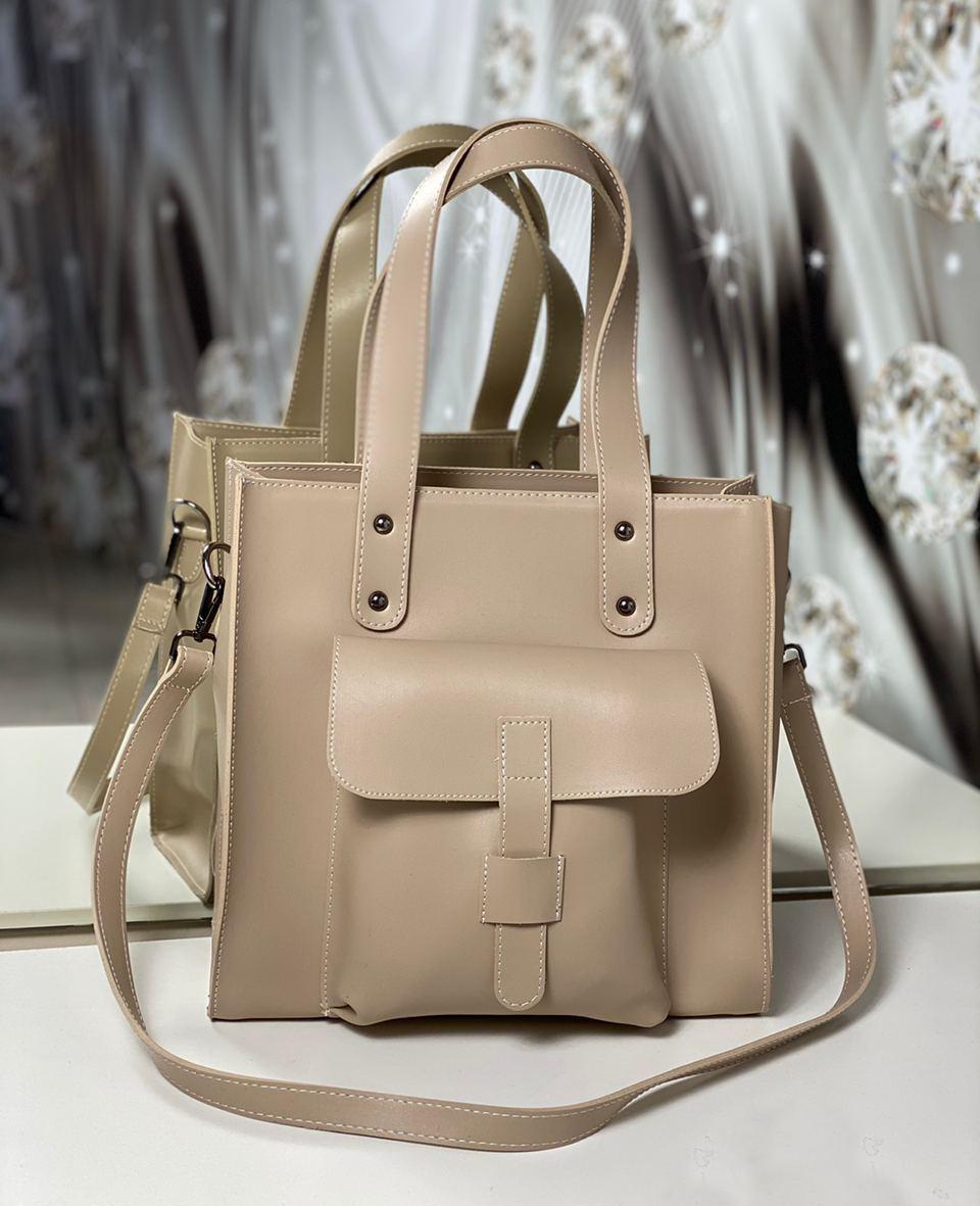 Женская сумка бежевая средняя классическая с карманом повседневная квадратная экокожа