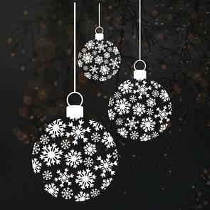 Ніжні кульки зі сніжинок, новорічна наклейка на скло, вітрину, стіну (наклейка новогодние шарики из снежинок)