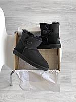 Комфортные угги для девушек. Женская зимняя обувь УГГи черного цвета с пуговкой.