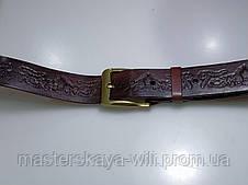 Шкіряний ремінь ручної роботи, коричневого кольору з тисненням, фото 3