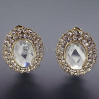 Сережки ― клипсы с прозрачным овальным камнем в миниатюрных стразах, фото 1