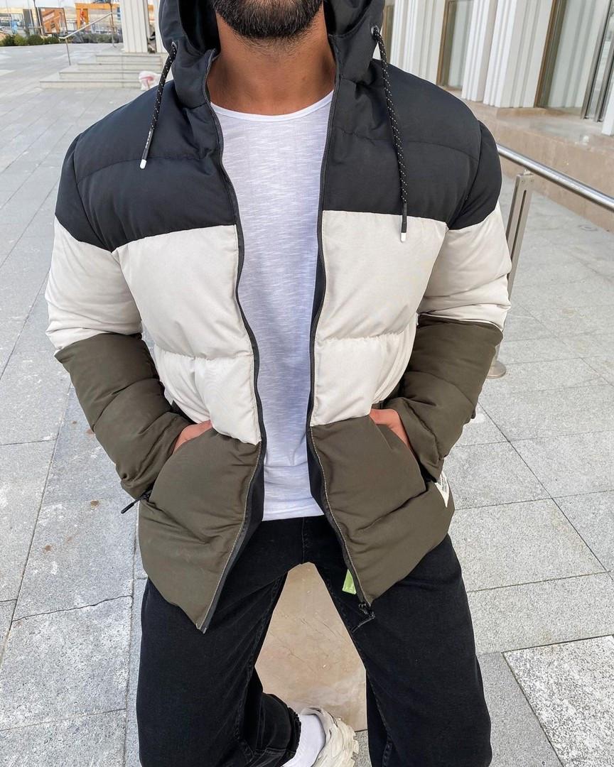 Чоловіча зимова куртка стьобана з капюшоном