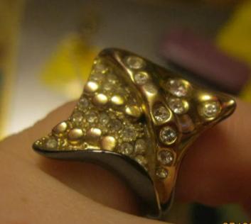 Кольцо перстень СТИЛЬНОЕ КАМНИ новое бижутерия