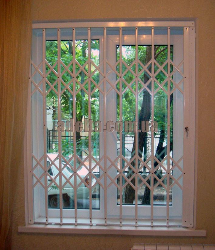 Решетка раздвижная на окно Шир.1250*Выс1550мм