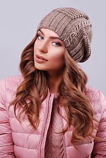 Женская шапка цвета кофе с текстурными узорами