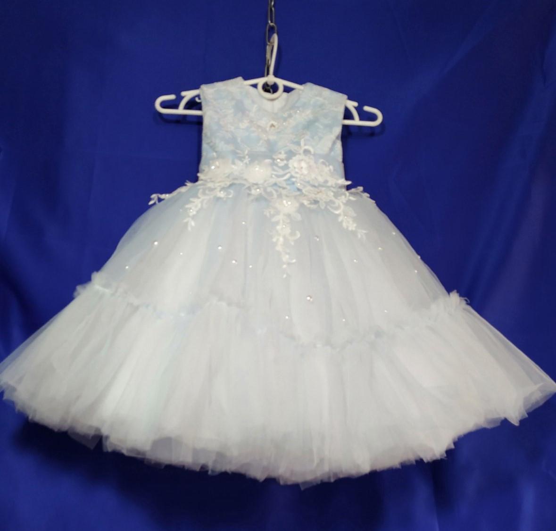 Пышное новогоднее платье на девочку 4-5 лет голубого цвета