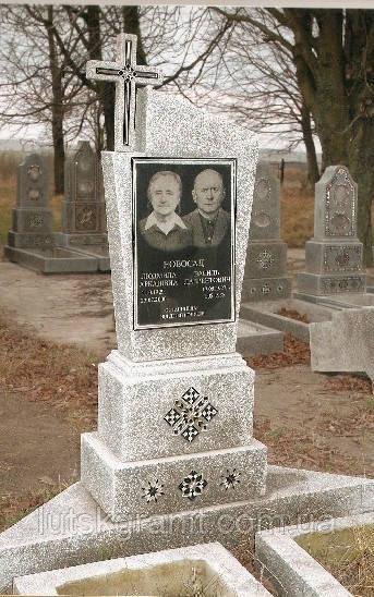 Замовити пам'ятник з крихти у  Луцьку