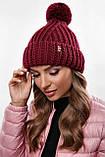 Стильна жіноча зимова шапка з бубоном з підворотом (чорний, р. UNI), фото 4