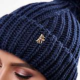 Стильна жіноча зимова шапка з бубоном з підворотом (чорний, р. UNI), фото 9