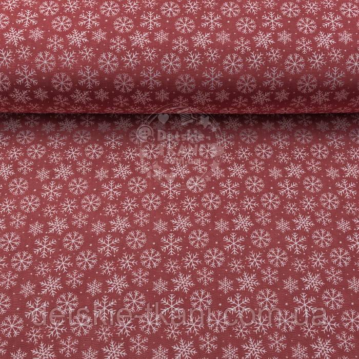 """Новогодняя ткань для скатертей """"Снежинки и мелкие звёздочки"""" на красном фоне №3080"""