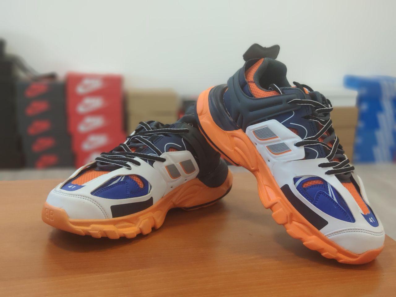 Мужские демисезонные кроссовки Balenciaga Track (бело-оранжевые) D34