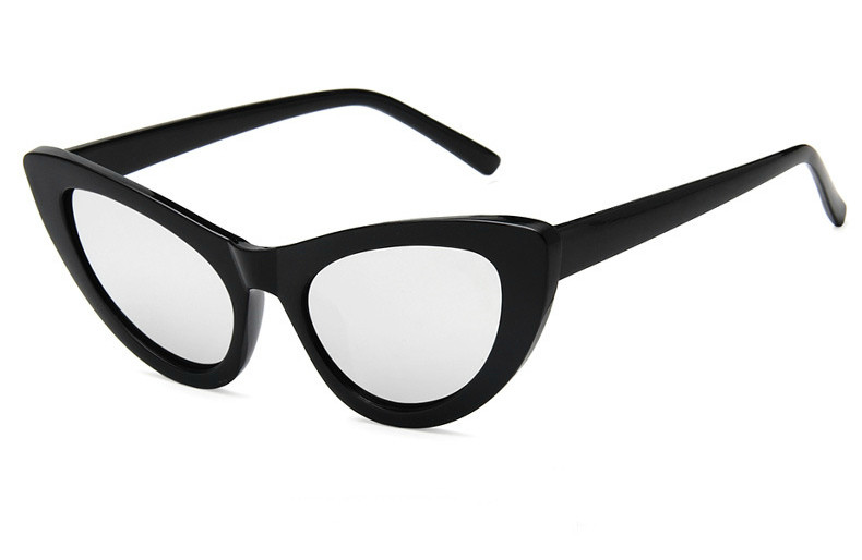 Элегантные солнцезащитные очки лисички